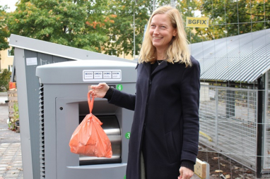 Katarina Luhr, Vice Mayor of Environment at City of Stockholm, inaugurating the first Envac waste inlet at Valla torg .